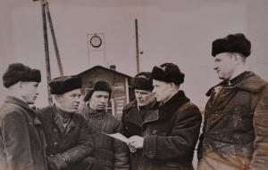 бригада старшего башмачника т.Жаженкова,борющаяся за звание бригады Коммунистического труда