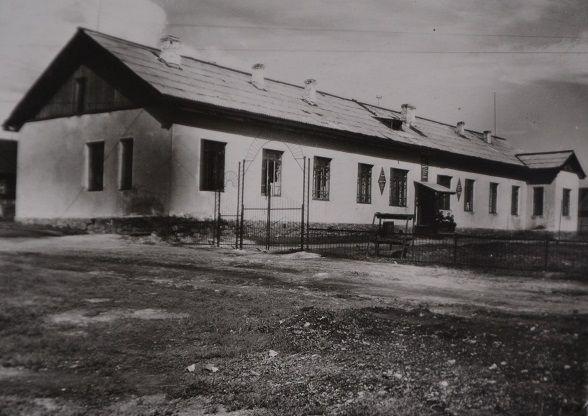 мужское общежитие станции (бывшая контора начальника станции)