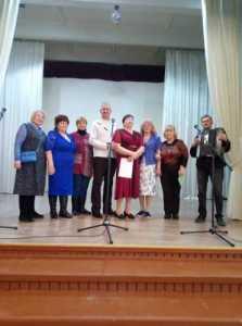 Ветераны на благотворительном концерте