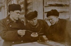 башмачник т.Исупов знакомит башмачников т.Русских и Отегова со своим предложением